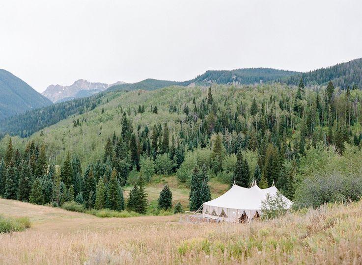 sperry tent outdoor wedding private ranch colorado calluna events 51 6842 158690349120077