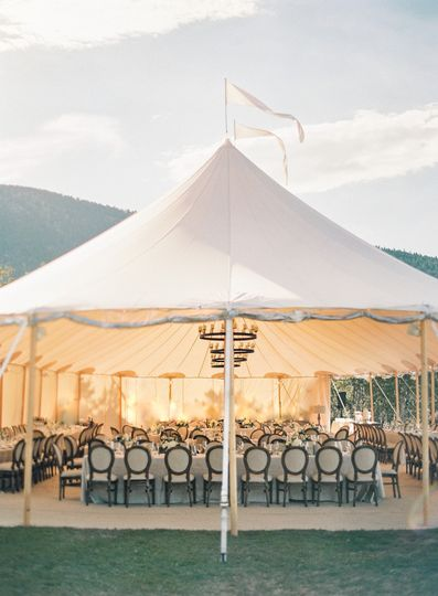 sperry tent st malo fish creek ranch wedding by alp isle with calluna events reception 13 1 51 6842 158690349640564