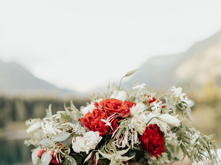 Tmx Goldcreekpondelopement Snoqualmieelopement Seattleweddingphotographer Rachelsyrisko 73 51 937842 157438788279427 Lynnwood, WA wedding florist