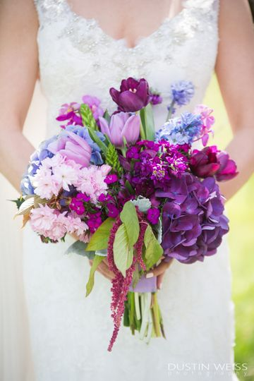 Purple bouquet | Dustin Weiss Photography