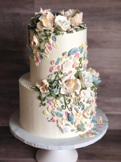 Textured buttercream florals with painted buttercream petals