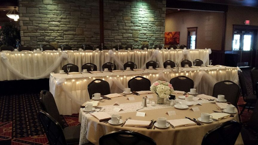 Two tier head table