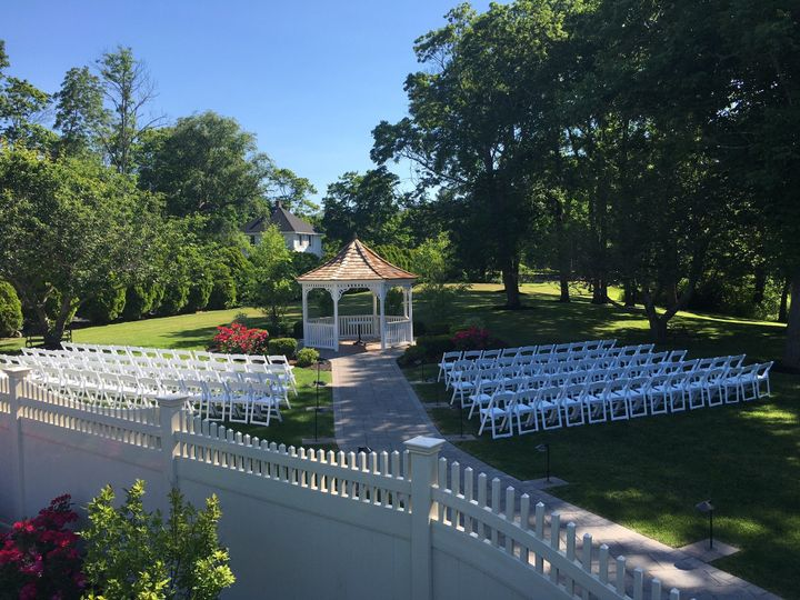 Outdoor ceremony set-up