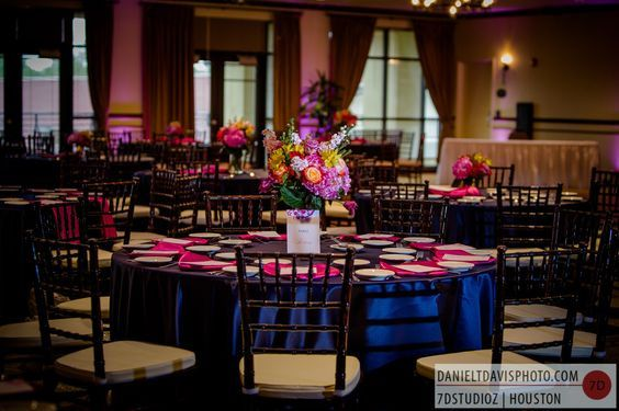 Blue & Pink Wedding in Mag