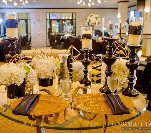 Black & Gold Bluebonnet Room