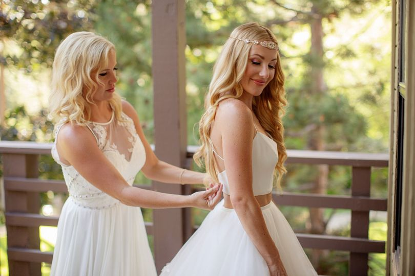 Assisting the bride | Photography by Chard Photo, Venue Hyatt Lake Tahoe, Incline Village, Makeup...