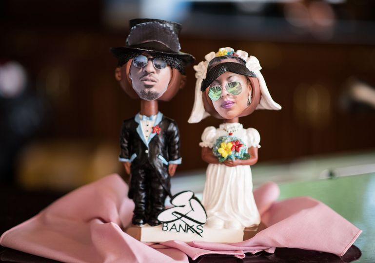 Bobbleheads of newlyweds