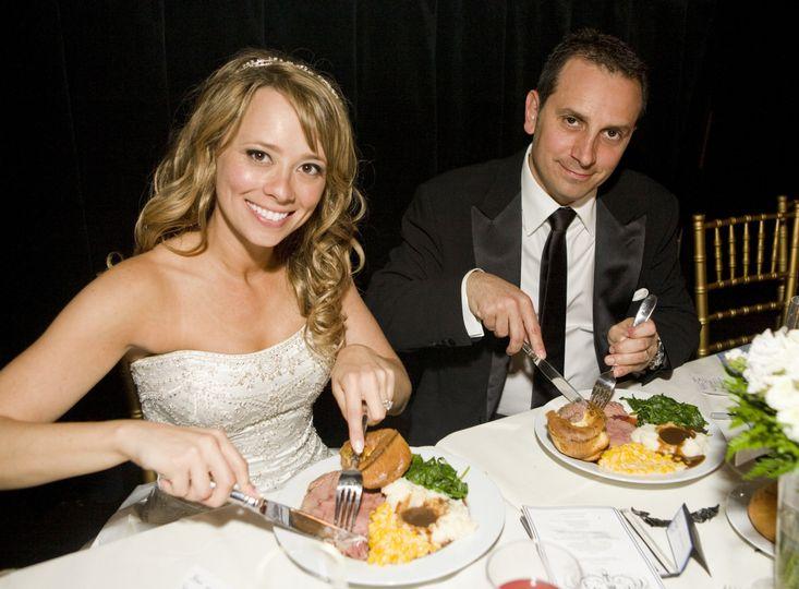 couple eating 51 91052 160131556340671