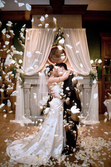 couple kissing petals 51 91052 160131555994233
