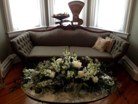 living room wedding flowers
