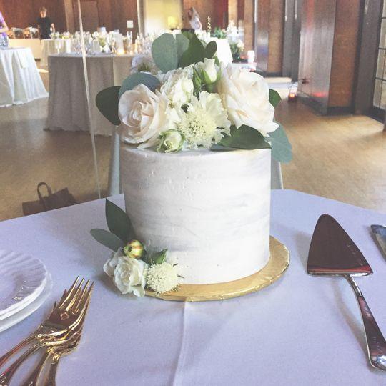 Small white round cake