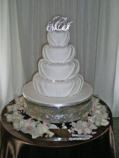 divine delicacies custom cakes wedding cake miami fl weddingwire. Black Bedroom Furniture Sets. Home Design Ideas