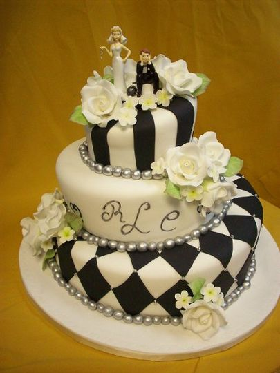 Divine Delicacies Custom Cakes Wedding Cake Miami FL WeddingWire