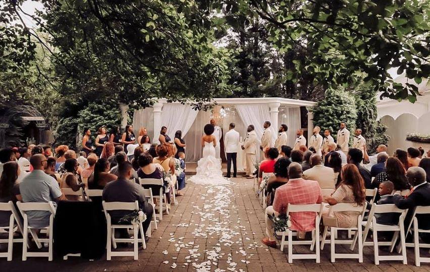 Che'ne Rouge Weddings