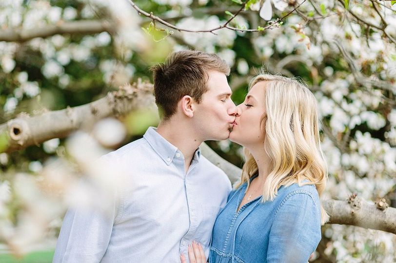Inniswood Metro Garden engagement photography in Columbus, OH