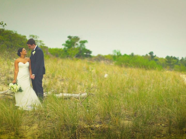 Tmx 1516319246 527d11fca8eb7bba 1516319244 84682def7edd84d8 1516319242989 5 Beach 1 Chicago, Illinois wedding videography