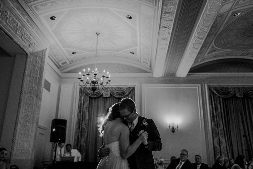 f8cc8a17740a1157 dani andrew wedding 700