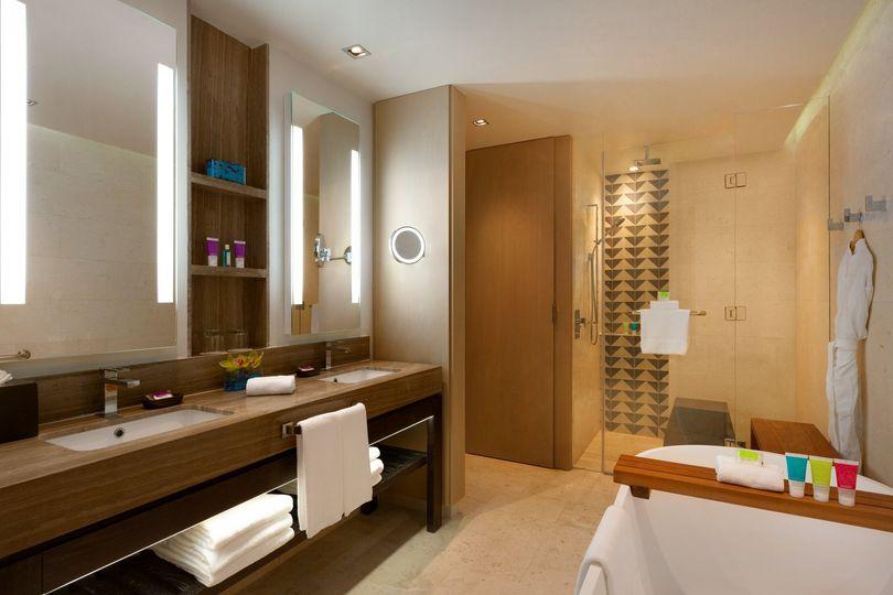 zilara suite bathroom