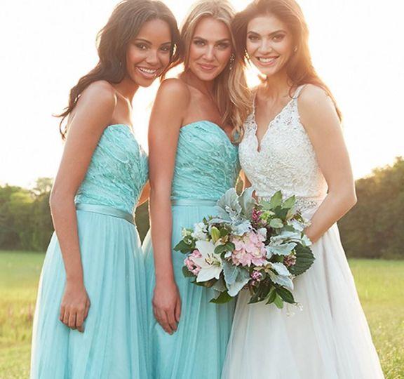 Lara's Bridals & Formals