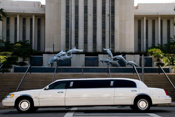 6 passenger Bride Groom limo