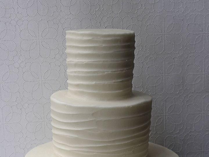 Tmx 1519154804 4dbb7542902f9067 1519154801 6255ab552499fff2 1519154794820 3 Rustic Cake Resize Brooklyn wedding cake