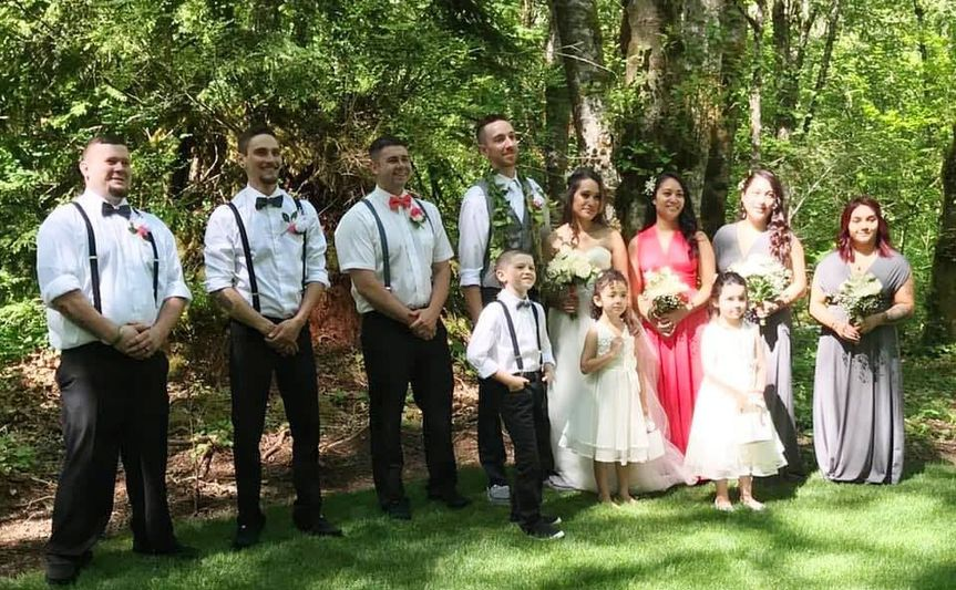 Wedding party in Hollow