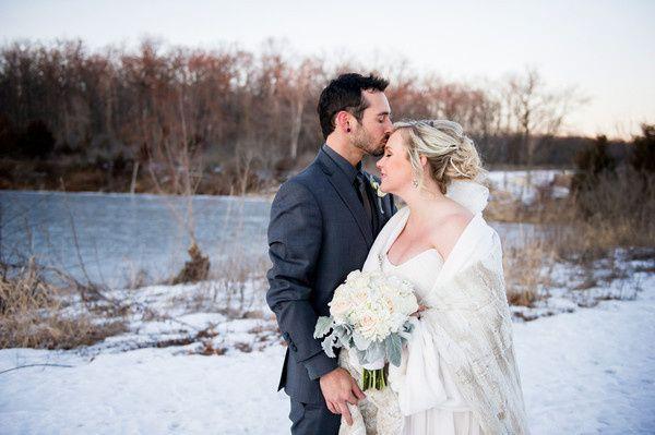 600x6001468944746627 lush illinois winter wedding1