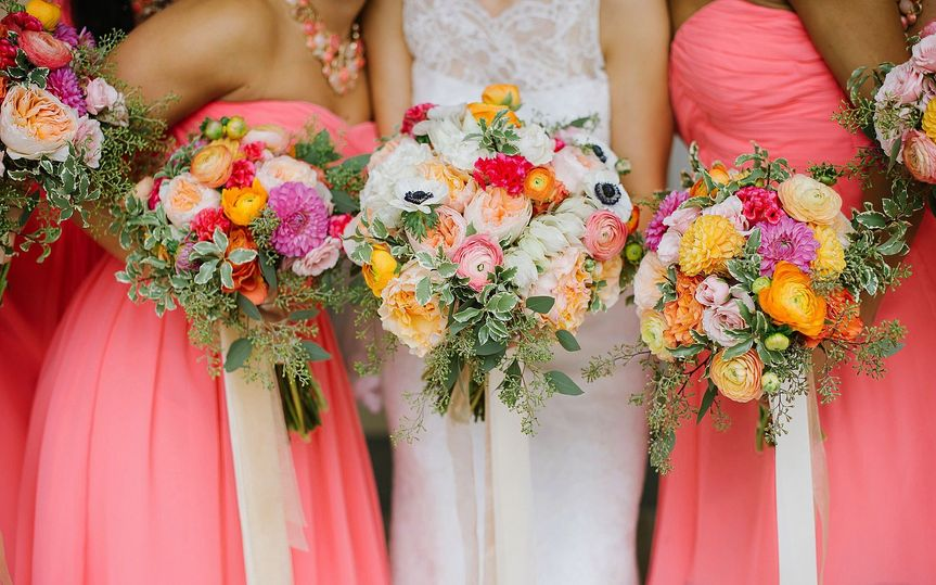 The bridal party bouquets - Dynamic Films