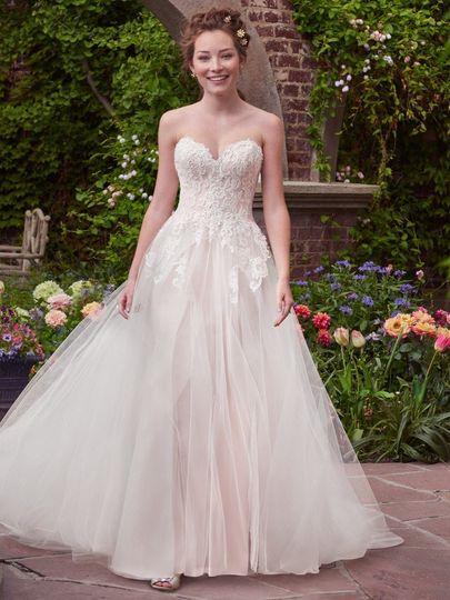 Lovely strapless wedding dress