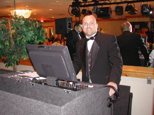 Marc LarRochelle-Elegant yet energetic, Professional Disc Jockey for more than 19 years!