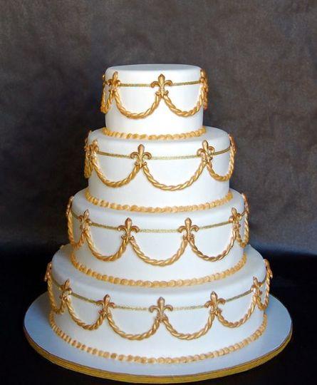 Fleur di Lis (fake) Wedding Cake