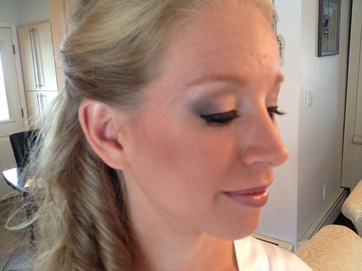 Simple and elegant makeup