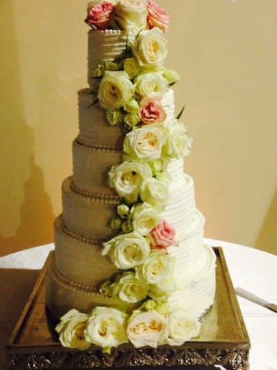 Beautiful wedding cake for a southern charm wedding