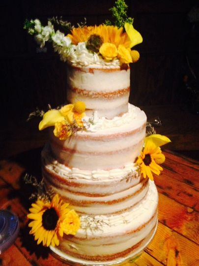 Naked Wedding Cake for a Barn Wedding