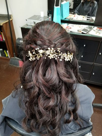 Hairdo by Chenda with beautiful golden hair ornament