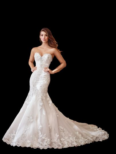 Trumpet dress with beautiful lace