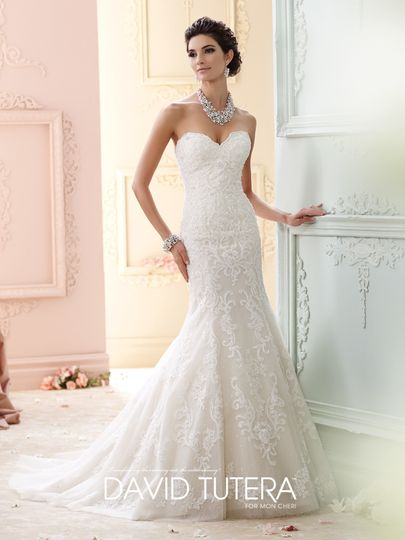 Trumpet dress with sweetheart top