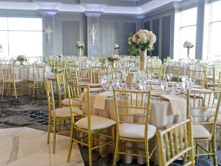 Tmx 1516311035 E315601a953e6078 1516311032 9699467a57ce477f 1516311025933 4 25 Tinley Park wedding venue