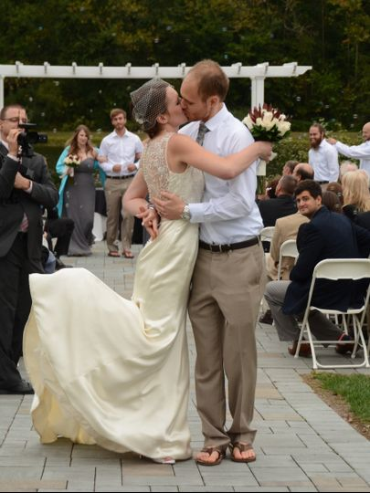 Wedding kiss | Picture Perfect Photography