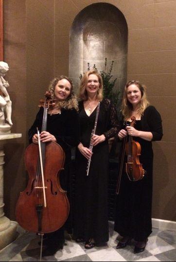 intermezzo trio standing pu 1