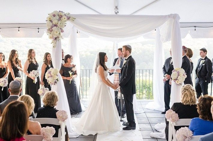 Ceremony under huppah