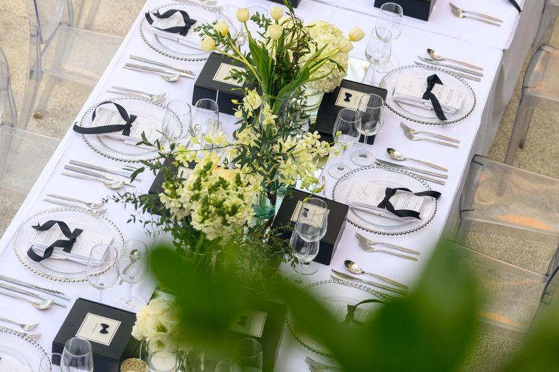 Stunning black and white table