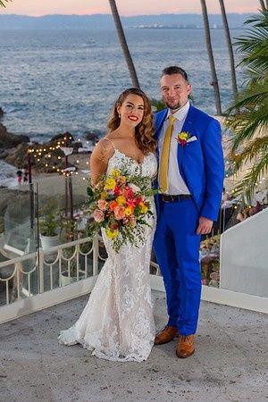 Tmx Ambar Jason Groupscocktail 55 M 51 933752 159044587397810 Puerto Vallarta, MX wedding planner