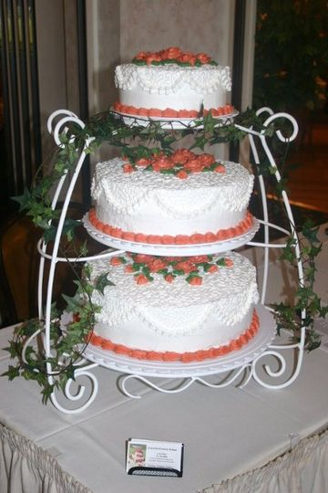3 tier lace design with icing roses