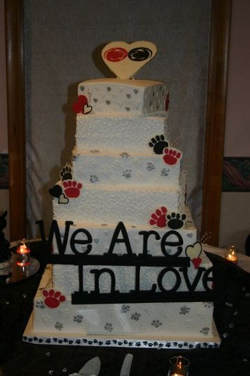 Offset squares... Penn State theme wedding.  Topper, paw prints and hearts are all done in...