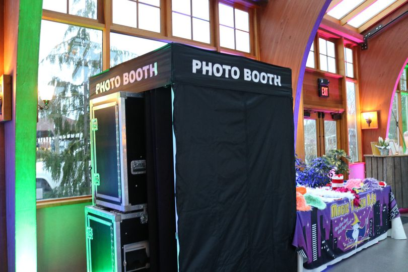 7 Photo Booth Options