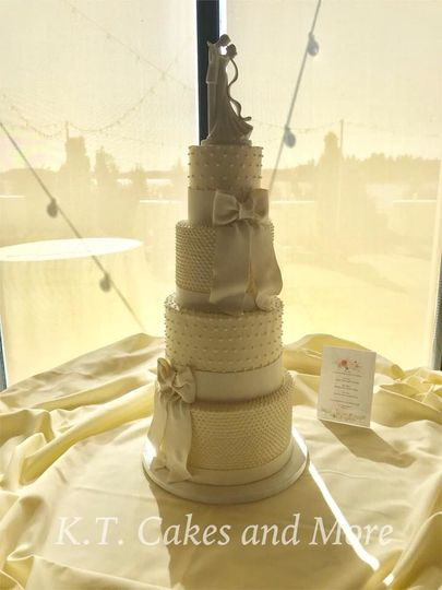 K.T. Cakes and More - Wedding Cake - Orting, WA - WeddingWire