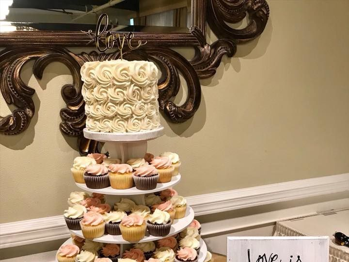 Tmx 1538089174 F5f8b6800033ff6b 1538089173 3a366e6ef930ca2a 1538089166132 1 32928291 161274641 Orting wedding cake