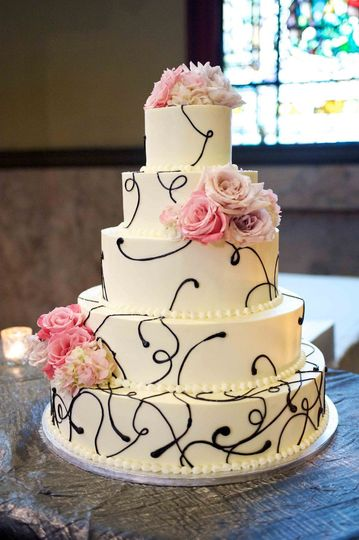 Five tier cake with flowers