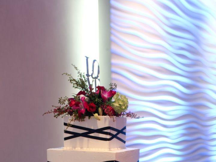 Tmx 1341337630156 SaraRick593MandyPaigePhotography Cincinnati, Ohio wedding cake